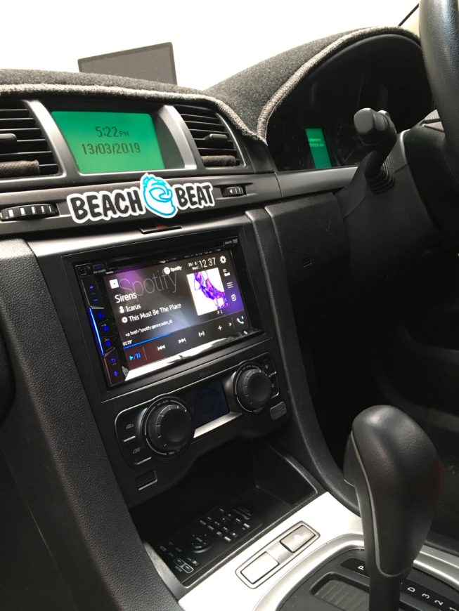 ve commodore replacement radio to new CarPlay DVD