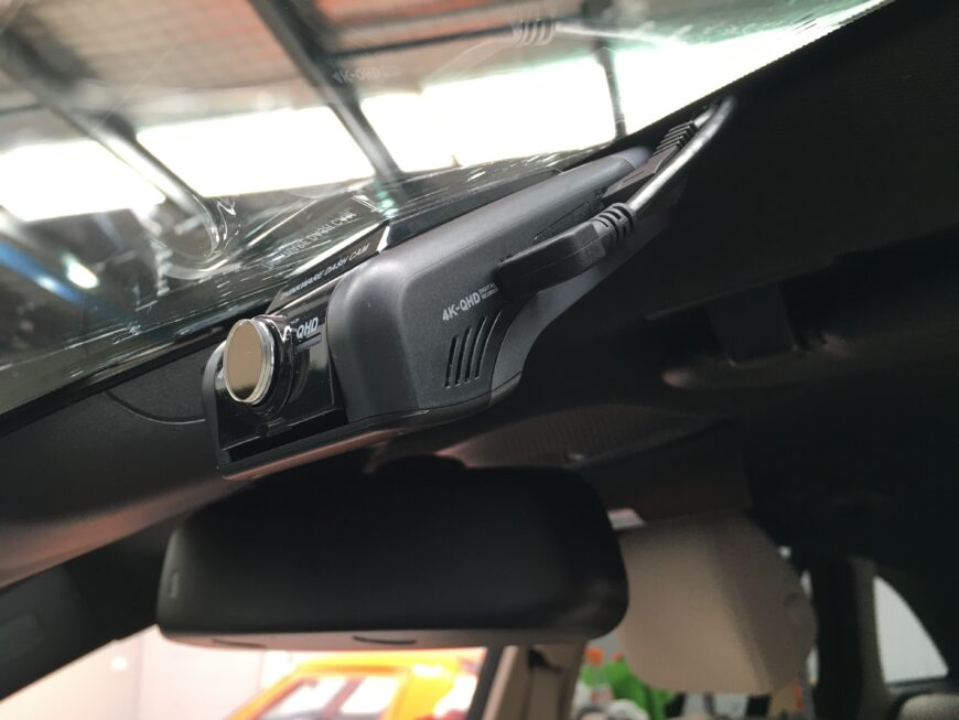 u1000 dash cam installation into mercedes