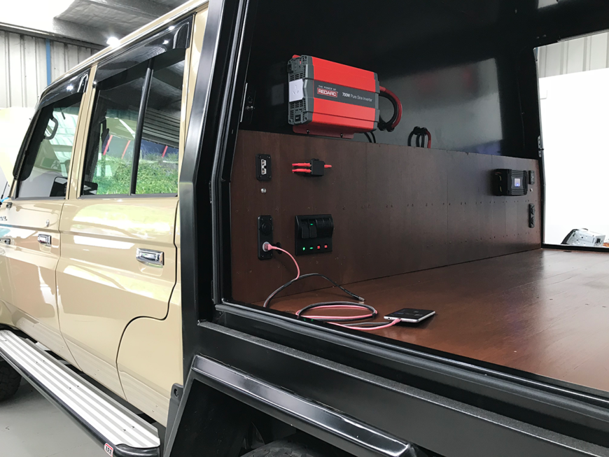 landcruiser dual battery and canopy fit-out